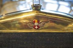 Insignia del coche de Hispano-Suiza del coche exterior 1912 Imágenes de archivo libres de regalías