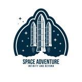 Insignia del espacio con el lanzamiento del cohete Etiqueta o remiendo del astronauta del vintage para el bordado en concepto del stock de ilustración