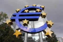 Insignia EURO en Frankfurt-am-Main Imagenes de archivo