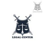 Insignia heráldica del escudo del bufete de abogados con las espadas Fotografía de archivo libre de regalías
