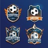 Insignia Logo Design Templates del fútbol del fútbol   Deporte Team Identity Vector Illustrations aislado en fondo azul libre illustration