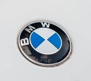 Insignias del logotipo de BMW en el coche Foto de archivo libre de regalías