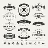 Insignias retras del vintage o vector fijado logotipos libre illustration