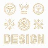Insignias y logotipos del diseñador gráfico de vector stock de ilustración