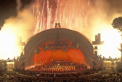 1812 insinuação com os fogos-de-artifício no Hollywood Bowl, Los Angeles, Califórnia Imagens de Stock