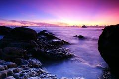 Insinuación del amanecer con las luces púrpuras Fotos de archivo libres de regalías