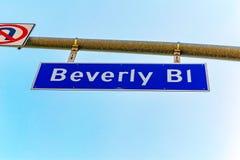 Inskrift - Beverly Bl på vägmärke Kalifornien angeles los arkivbilder