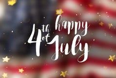 Inskrift som är lycklig 4th Juli med USA flaggan Arkivbild