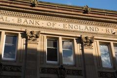 'Inskriven Bank of England' på en gammal bankbyggnad Royaltyfri Fotografi