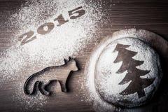 Inskrypcja 2015 z formą lis i piernikowi boże narodzenia t Zdjęcie Royalty Free