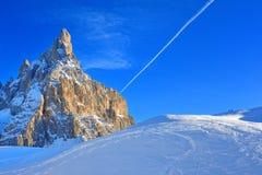 Insnöade Dolomites - italienska Alps Royaltyfri Foto