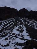 Insnöat berg Arkivfoto