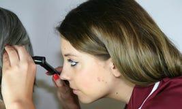 inspection d'oreille photographie stock