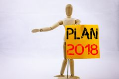 Inspiração conceptual do subtítulo do texto da escrita da mão que mostra o conceito 2018 do negócio do plano para o plano de ação Fotografia de Stock