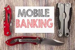Inspiração conceptual do subtítulo do texto da escrita da mão que mostra a operação bancária móvel Conceito do negócio para o e-b imagens de stock royalty free