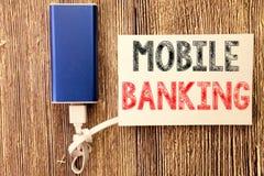 Inspiração conceptual do subtítulo do texto da escrita da mão que mostra a operação bancária móvel Conceito do negócio para o e-b fotografia de stock royalty free