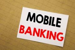Inspiração conceptual do subtítulo do texto da escrita da mão que mostra a operação bancária móvel Conceito do negócio para o e-b fotos de stock royalty free