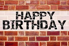Inspiración conceptual del subtítulo del texto del aviso que muestra feliz cumpleaños Concepto del negocio para la celebración de foto de archivo