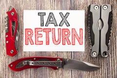 Inspiración conceptual del subtítulo del texto de la escritura de la mano que muestra la declaración de impuestos Concepto del ne imagen de archivo libre de regalías