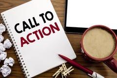 Inspiración conceptual del subtítulo del texto de la escritura de la mano que muestra llamada a la acción Concepto del negocio pa Fotos de archivo libres de regalías