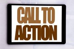 Inspiración del subtítulo del texto de la escritura de la mano que muestra llamada a la acción Concepto del negocio para la meta  Fotografía de archivo libre de regalías
