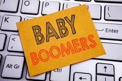 Inspiration conceptuelle de légende des textes d'écriture de main montrant des baby boomers Concept d'affaires pour la génération Photo stock
