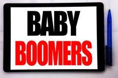 Inspiration conceptuelle de légende des textes d'écriture de main montrant des baby boomers Concept d'affaires pour la génération Images libres de droits