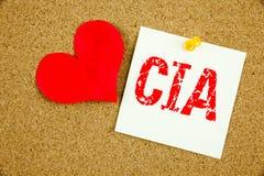 Inspiration conceptuelle de légende des textes d'écriture de main montrant le concept de CIA pour l'abréviation et l'amour écrit  Image stock