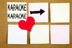 Inspiration conceptuelle de légende des textes d'écriture de main montrant le concept de karaoke pour la musique de karaoke de ch Image stock