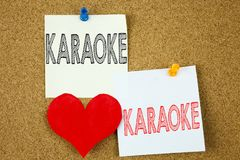 Inspiration conceptuelle de légende des textes d'écriture de main montrant le concept de karaoke pour la musique de karaoke de ch Photo stock
