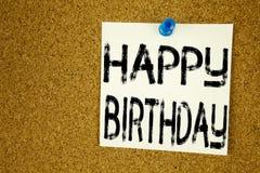 Inspiration conceptuelle de légende des textes d'écriture de main montrant le joyeux anniversaire Concept d'affaires pour la célé Photographie stock libre de droits