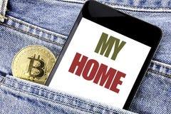 Inspiration conceptuelle de légende des textes d'écriture de main montrant ma maison Concept d'affaires pour le phone de mobile d Photo libre de droits
