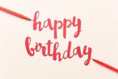 Inspirational citaat` Gelukkige verjaardag ` voor groetkaarten en affiches royalty-vrije stock foto