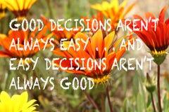 Inspirational citaat met oranje en gele gazaniabloemen op a stock fotografie