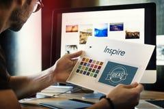 Inspirera är den idérika designen Logo Concept fotografering för bildbyråer
