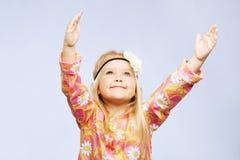 inspirerad flicka little som är nätt arkivbilder