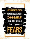 Inspirerend motivatiecitaat over vrees en succes Vector van de typografieaffiche en t-shirt ontwerp, bureaudecor verontrust stock illustratie
