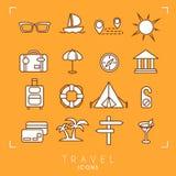 inställd loppsemester för strand symboler Solglasögon yacht, rutt, sol, resväska, paraply, museum, bagage, livboj, campa tält, me Royaltyfri Bild