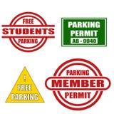 Inställda parkeringsetiketter. Arkivfoton