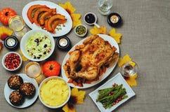 Inställning för Autumn Thanksgiving varmrätttabell Royaltyfri Bild