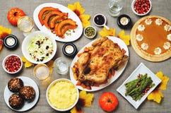 Inställning för Autumn Thanksgiving varmrätttabell Arkivbilder