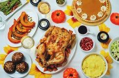 Inställning för Autumn Thanksgiving varmrätttabell Fotografering för Bildbyråer