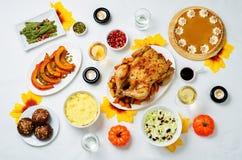 Inställning för Autumn Thanksgiving varmrätttabell Arkivfoto