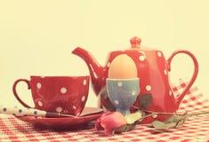 Inställning för frukost för kontroll för Retro tappningfilter röd royaltyfria bilder