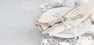 Inställning för silverjultabell royaltyfri fotografi