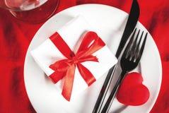 Inställning för tabell för dag för valentin` s Royaltyfria Bilder