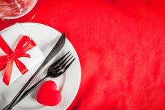Inställning för tabell för dag för valentin` s Arkivbilder