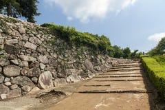 Inställning till den Bitchu Matsuyama slotten i Japan Arkivfoton