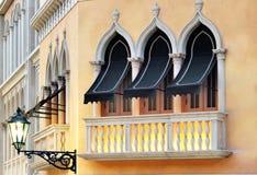 inställningsvenice fönster Fotografering för Bildbyråer