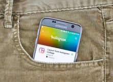 Instagram app en una pantalla del teléfono móvil imagen de archivo